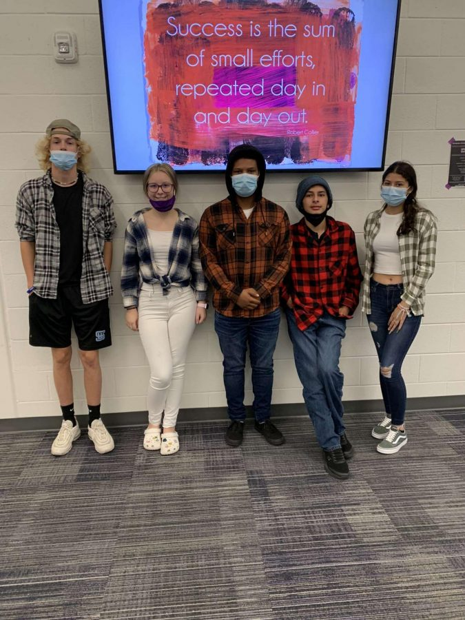 Wyoming+students+on+flannel+day%21